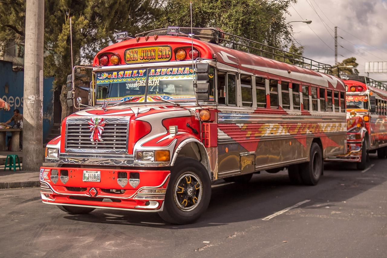 otro autobús