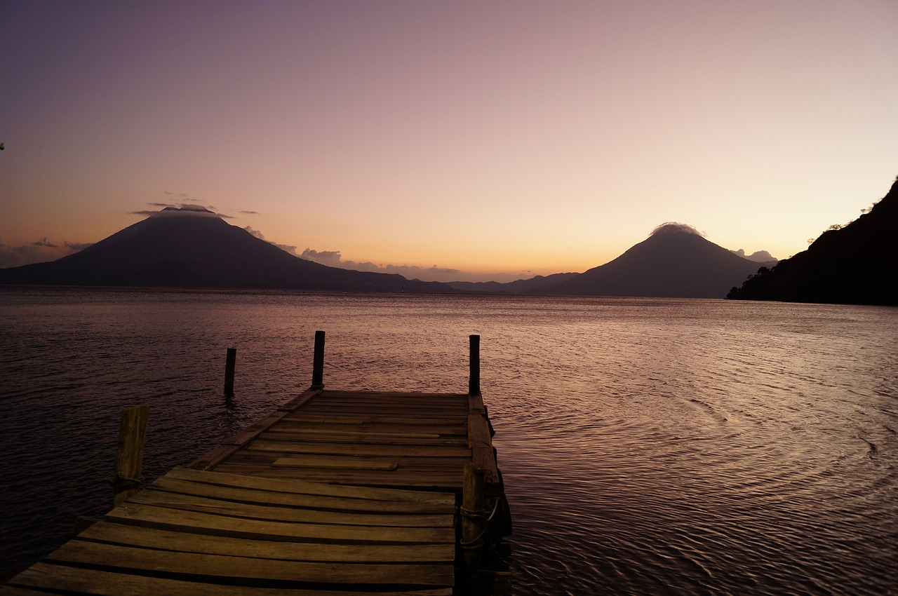 Vistas sobre el lago Atitlán - mi lugar favorito para viajes a Guatemala