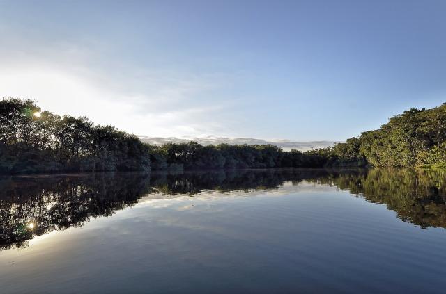Vistas sobre el Río Dulce