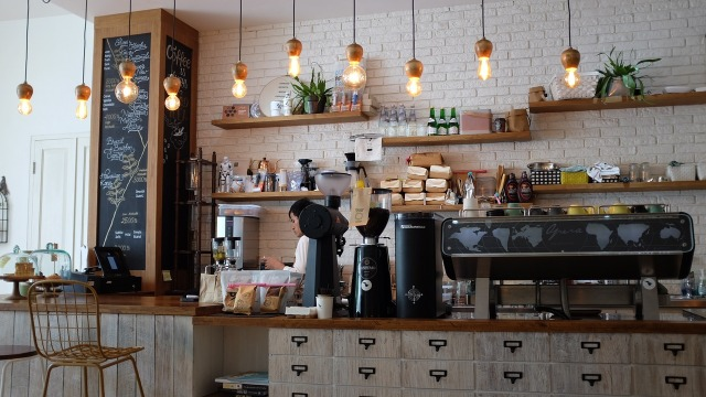 ¿Has probado en hacerte tu propio café y utilizar un termo?