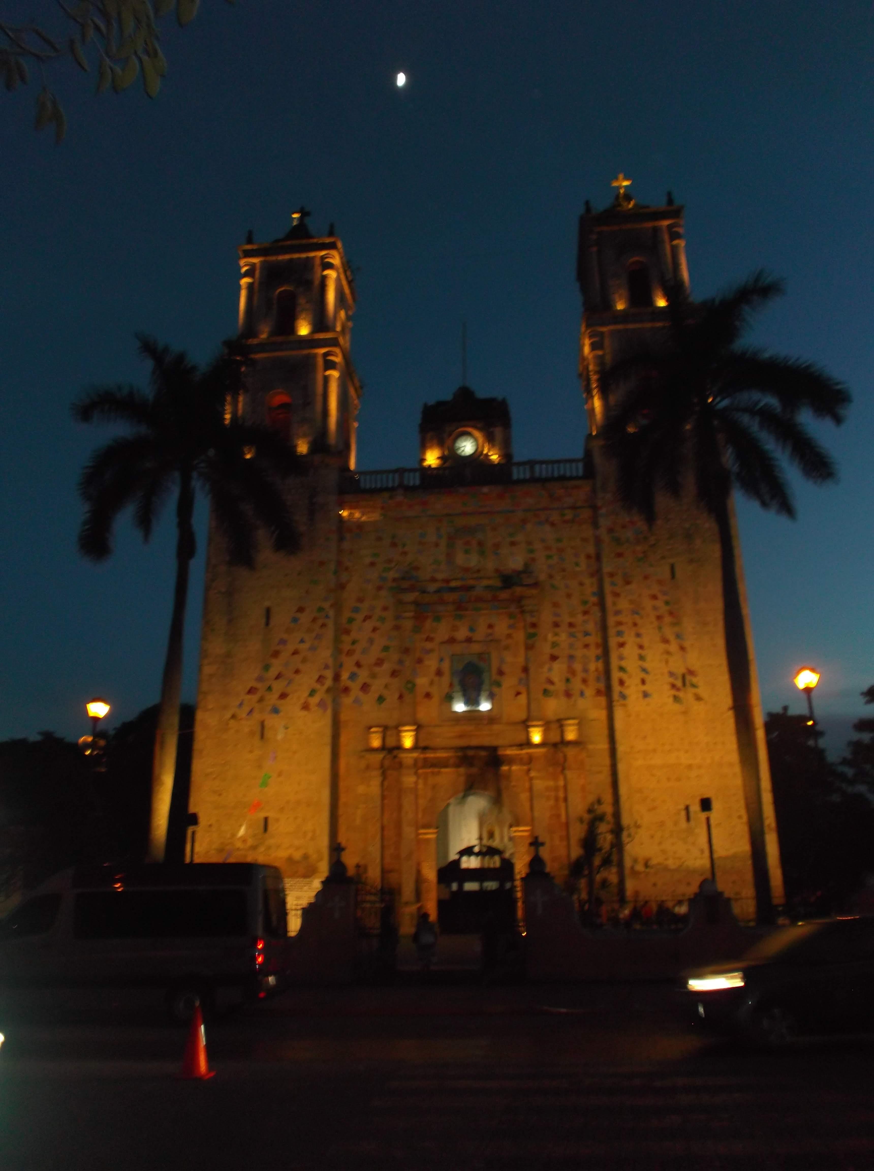 Catedral de Valladolid - que hacer en yucatan