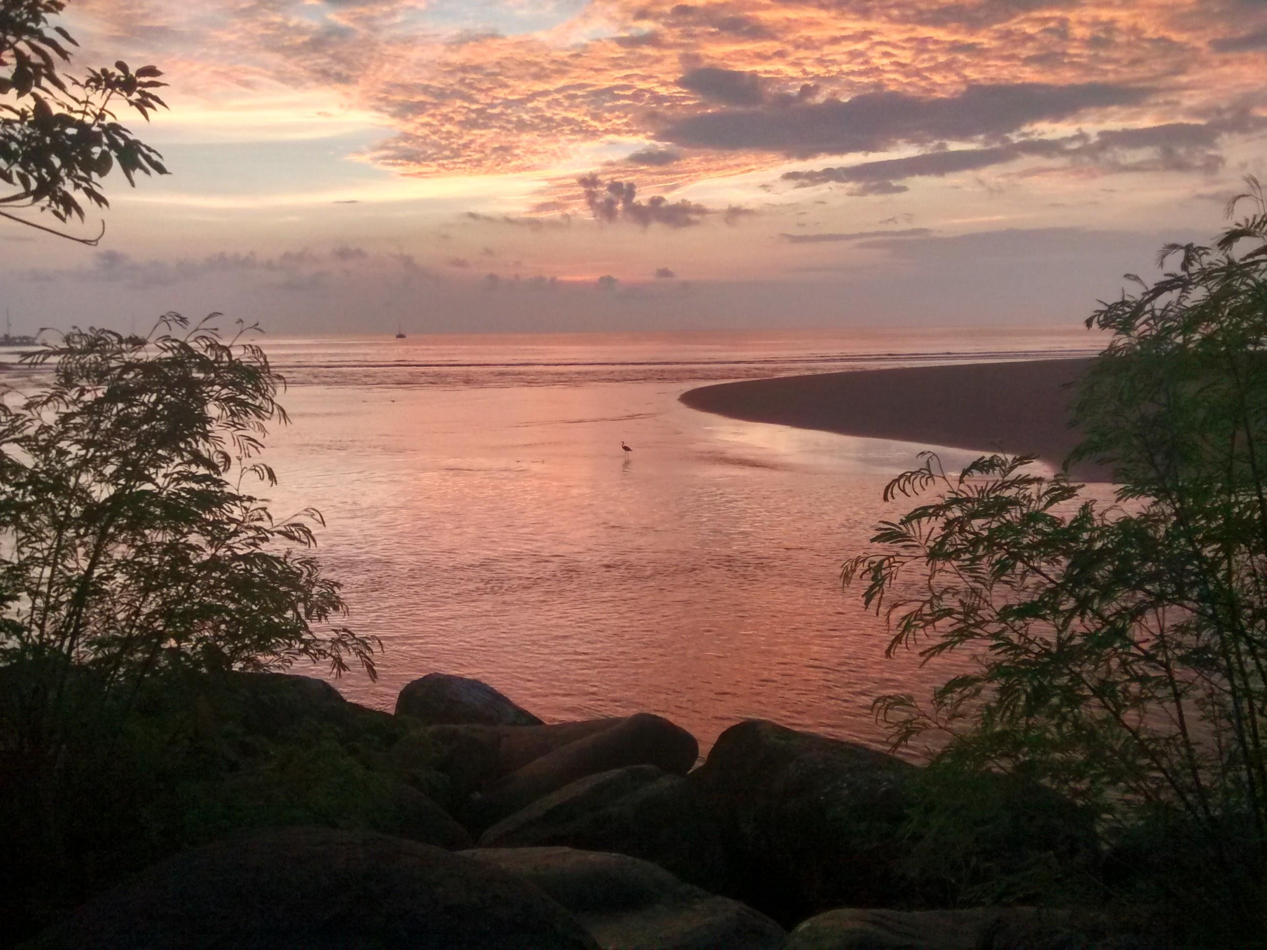 Atardecer en Manuel Antonio - vacaciones en costa rica
