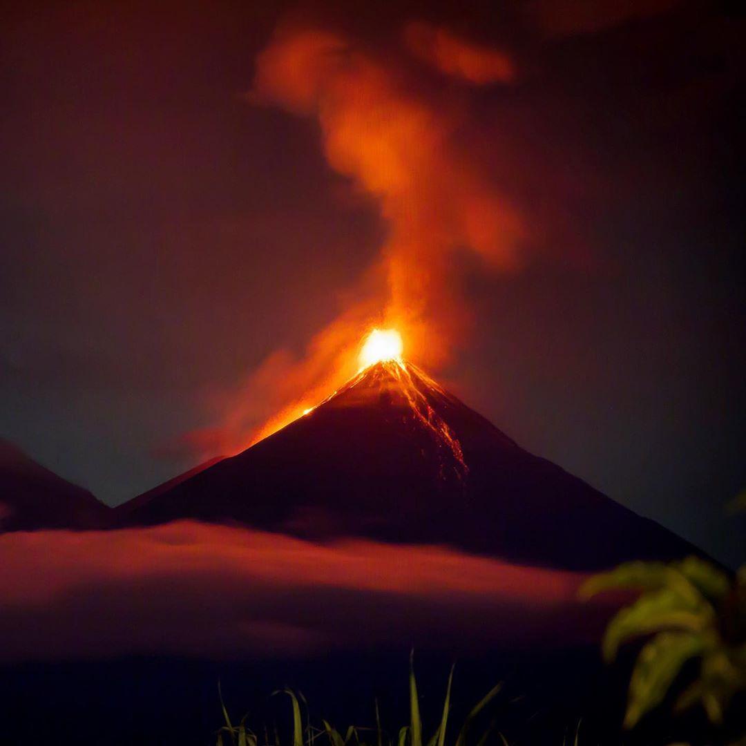 Volcanes de América Central - Volcán de fuego